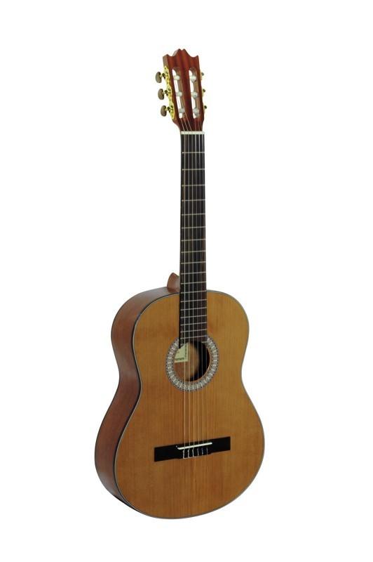 Dimavery STC-10 klasická kytara 4/4 - Klasická 4/4 kytara
