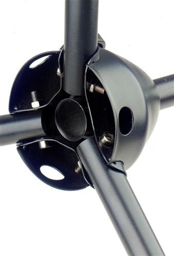 Detail základny mikrofonního stojanu pro karaoke